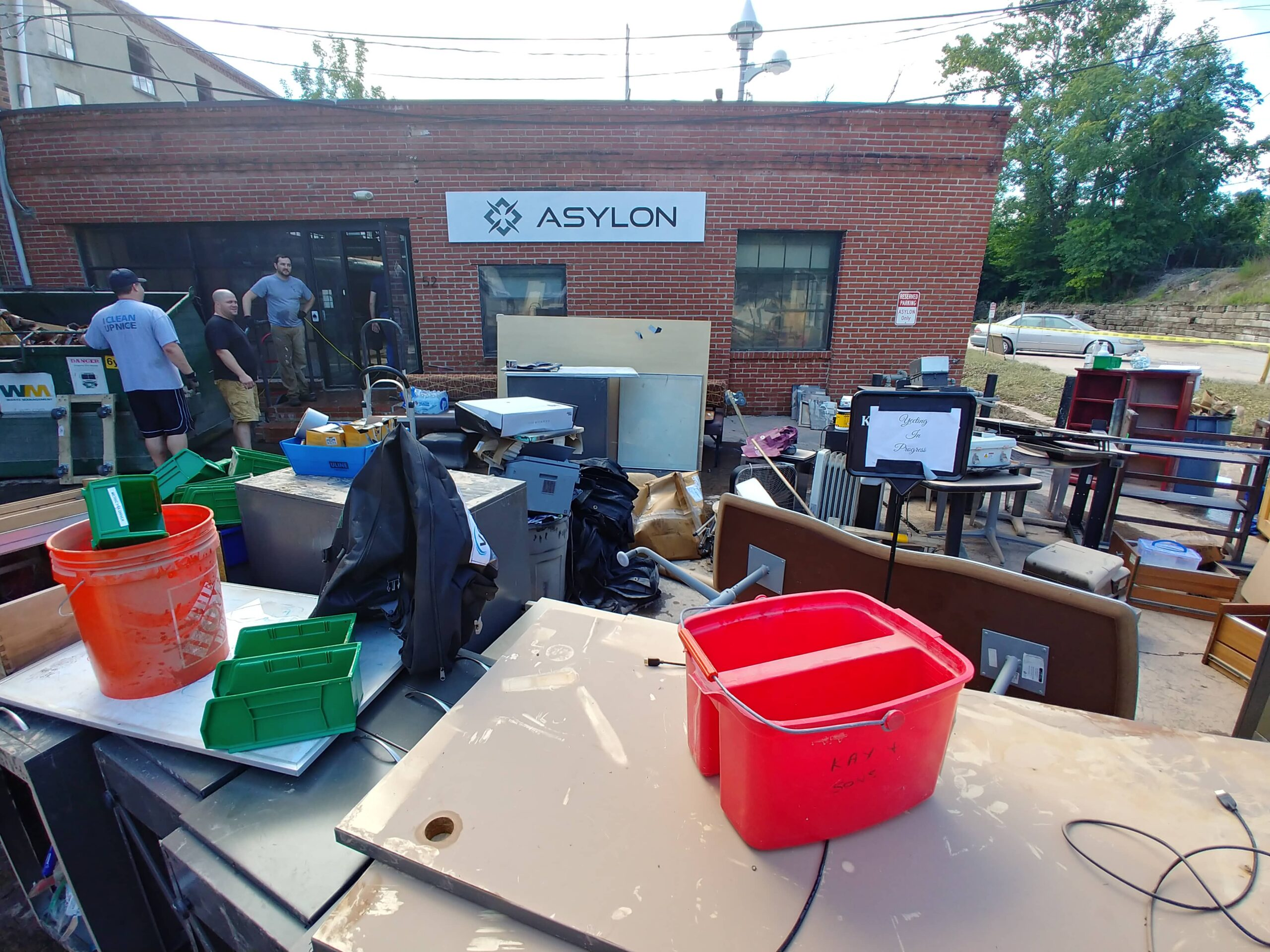 Asylon Office Outside Cleanup